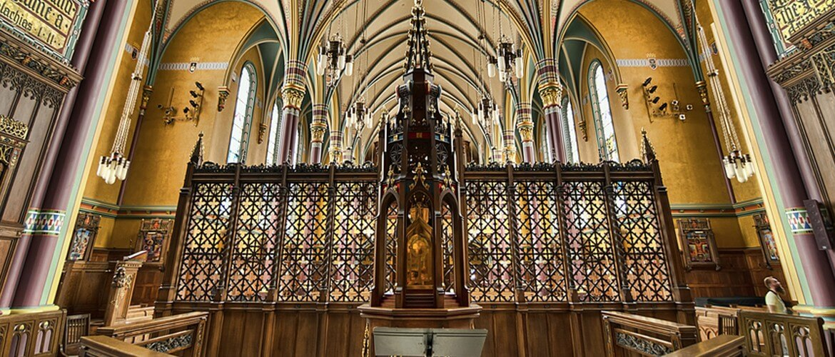 A Gothic screen for the Cathedral of the Madeleine hand-carved by Agrell Architectural Carving