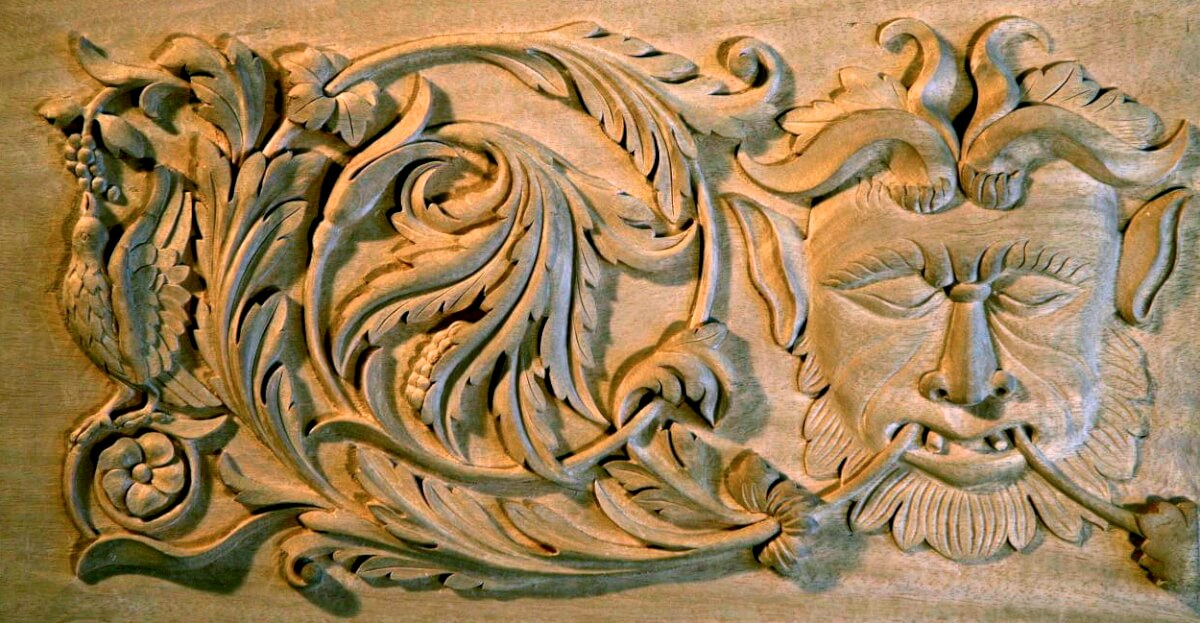 Renaissance-style woodcarving